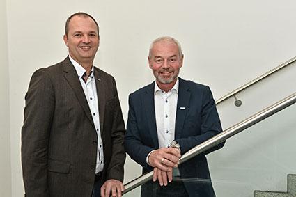 Joachim Spitzl (Key Account Manager Kapsch BusinessCom) und Alois Schauer (Key Account Manager LINZ AG TELEKOM)